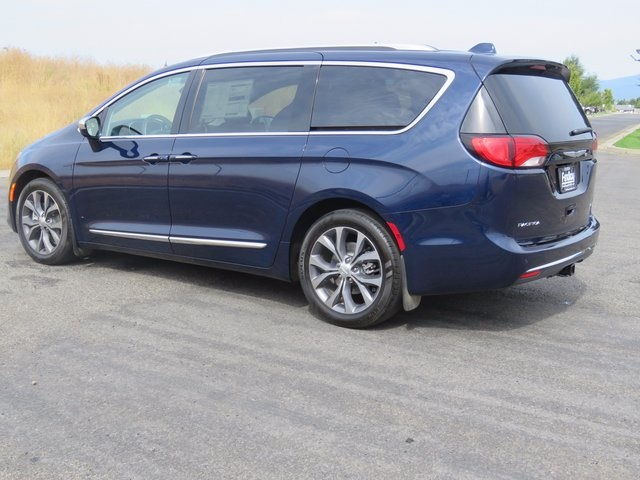 0f5a34a0b56f358208428a3bd6fbd9e8 new 2017 chrysler pacifica limited passenger van in post falls Chrysler 2017 Pacifica Interior at edmiracle.co